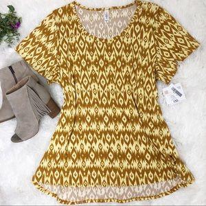 Lularoe Classic Tee yellow high low short sleeves